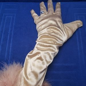 Glamourous Gloves